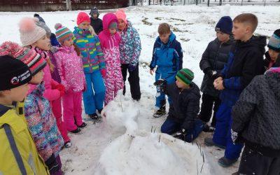Zapadel je prvi sneg za učence 4. b